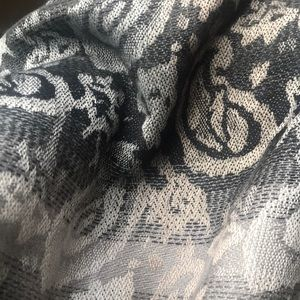 Accessories - Printed scarf